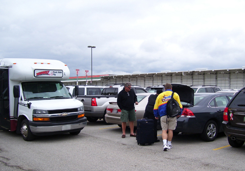 With a friendly and professional staff, a stress-free and enjoyable parking experience at Midway Park Ride & Fly is always guaranteed. Our staff members are always available and ready to lend a helping hand.